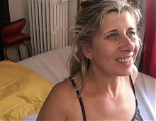 Lisa blonde mature quarantenaire