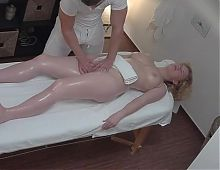 Blonde Fucking in a Massage Parlor