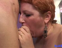 Diane, hungry cougar gets screwed in her garden