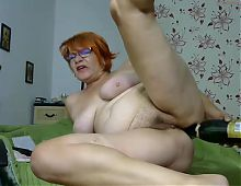 mature cam show with bottle