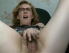 WebCam hairy beauty