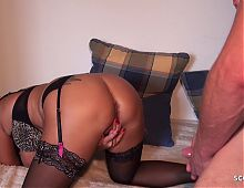 Deep Anal for German MILF Bi Jenny and Pee Suprise at final