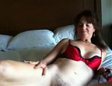 Sexy mature white milf needs BBC