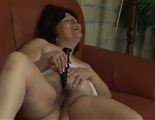 Plump ugly mom with saggy tits & hairy cunt